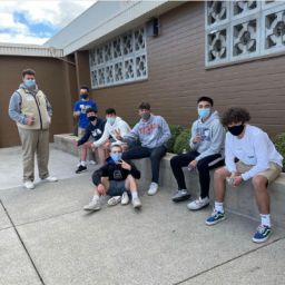Sophomore Class Retreat Offers Students Time to Live in the Moment